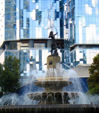 Fuente de la Diana Cazadora (Diana Fountain) on the Paseo de la Reforma, Mexico City (c) Renee M. Wilmeth